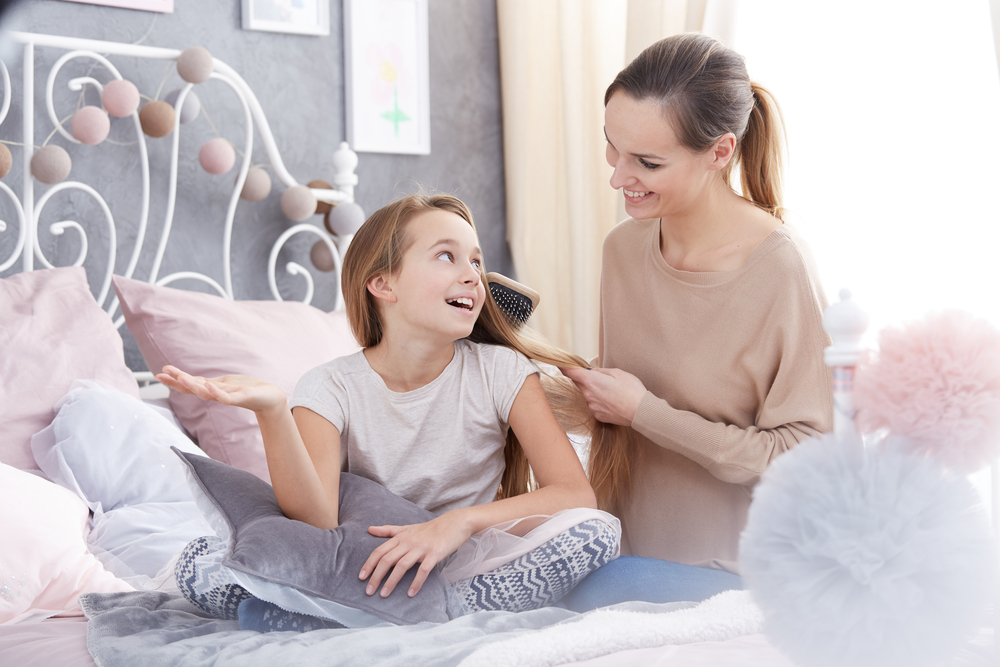 raising-a-confident-daughter-in-the-age-of-instagram-lifeworks-counseling-center
